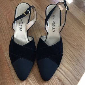 St. John black velvet/satin shoes, heel, size 9B